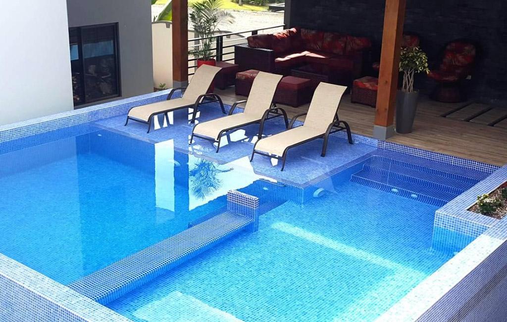 piscina-ballena-paradise